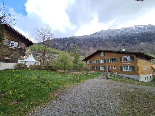 Hotel Krone - Giswil
