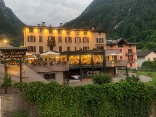 . Hotel Pedretti