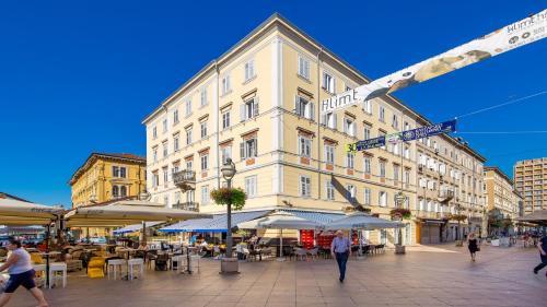 Main Square - Lloyd Apartment, Pension in Rijeka