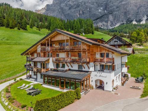 Pension Rü Blanch - Hotel - San Cassiano