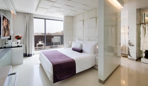 Suite Junior The Mirror Barcelona 7