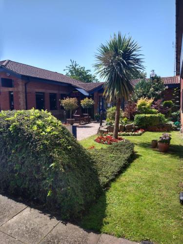 . Redwings Lodge Dunstable