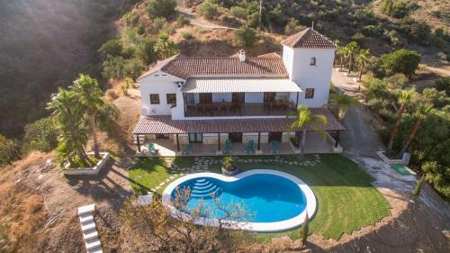 Mansion 7 bedrooms 6 bathrooms with private pool & privacy of 5 ha pure nature - Hotel - Tolox
