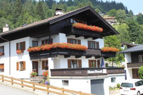 Haus Straif - Accommodation - Brixen im Thale