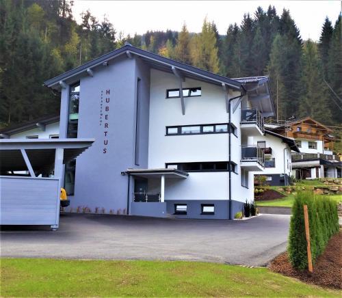 Appartement Hubertus - Hotel - Flachau