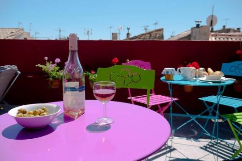 Maison 3 chambres - terrasse - centre historique - Location saisonnière - Arles