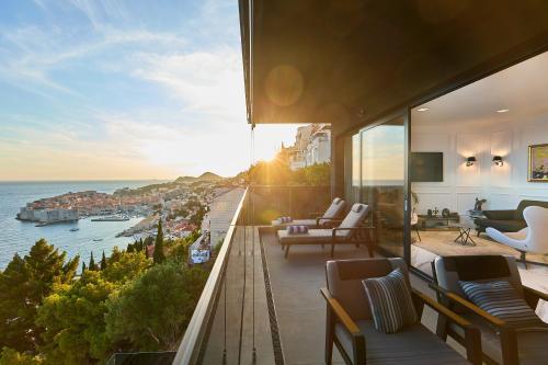 New & Luxury 5* with Breathtaking View- Kiki Lu Apartment