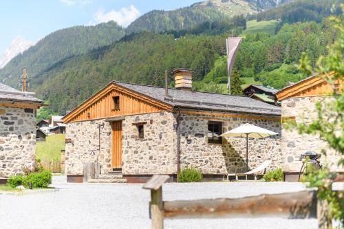Arlberglife Ferienresort Pettneu