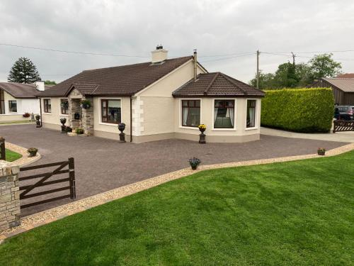 . Steeple View B&B - Award Winning Guesthouse Donegal