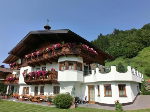 Landhaus Gruber Sommer - Apartment - Alpendorf