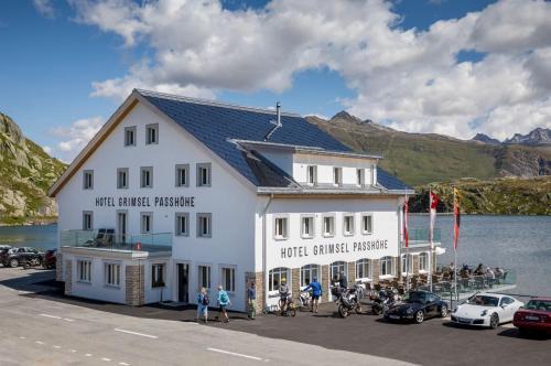 . Hotel Grimsel Passhöhe