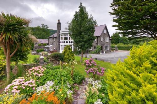 Gwern Borter Manor Bed & Breakfast - Photo 3 of 29