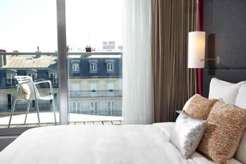 Renaissance Paris Arc de Triomphe Hotel photo 4