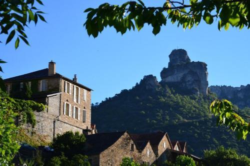 . Ermitage de Peyreleau
