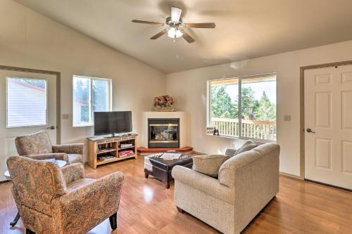 Secluded 5-Acre Kalispell Home with Deck and View - Somers