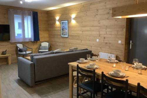 Logis 3 chambres, 6/8 personnes, Savoie entre Stations La Norma et Aussois - Apartment - Villarodin-Bourget