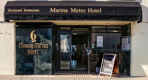 Marina Metro Hotel - Photo 2 of 25