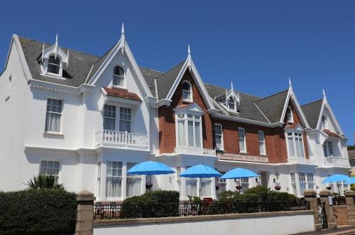 Runnymede Court Hotel - Photo 1 of 23