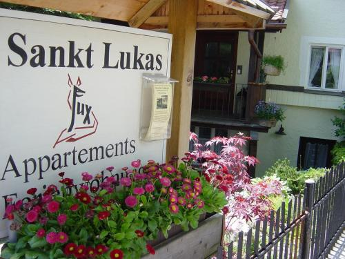 St Lukas Apartments