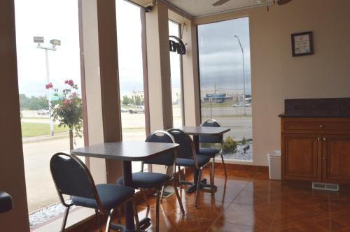Executive Inn Oklahoma City - Oklahoma City, OK 73129