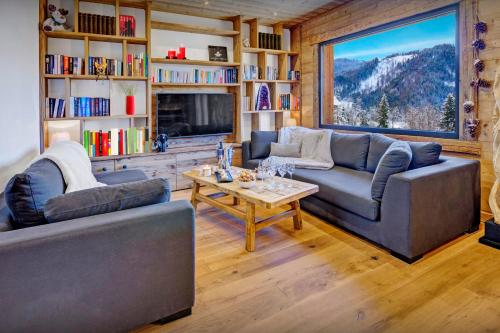 Secluded ski-in ski-out chalet great views & hiking trails - OVO Network - Chalet - La Clusaz