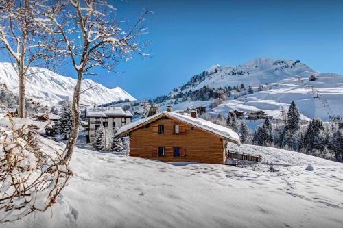 Walk to the piste and village then back for an evening sauna - OVO Network - Chalet - Le Grand Bornand