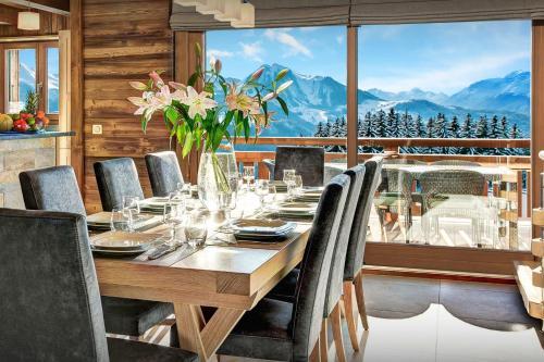 Luxury ski chalet hot tub & hammam nature setting & views - OVO Network - Chalet - Manigod