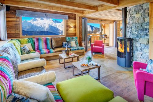 Unique chalet with shared spa great skiing & lovely views - OVO Network - Chalet - Manigod
