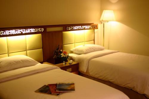 Bangkok Sahara Hotel photo 8