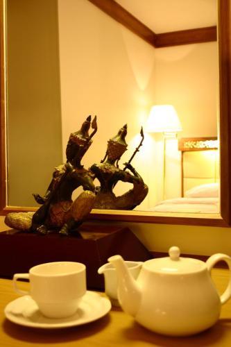 Bangkok Sahara Hotel photo 12