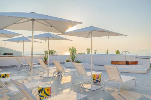 . Domo 20 Hotel & Sky Bar