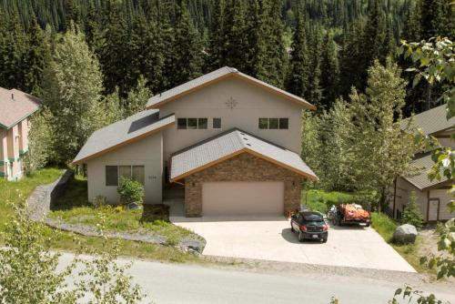 Soleil Chalet By Bear Country - Sun Peaks