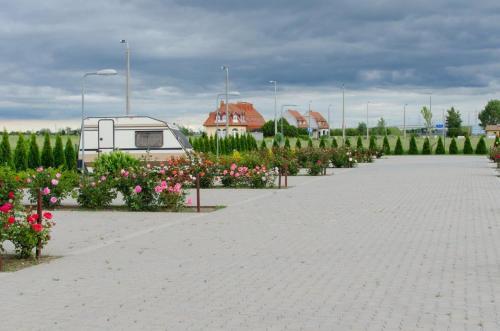 . Hotel Rózsa Csárda Bungalow & Caravan Park