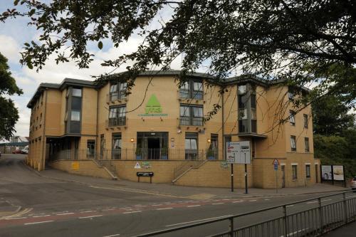 2a Botley Rd, Oxford, OX2 0AB, England.
