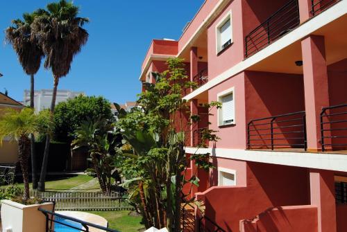 Apartamentos Turísticos Añoreta - Apartment - Rincón de la Victoria