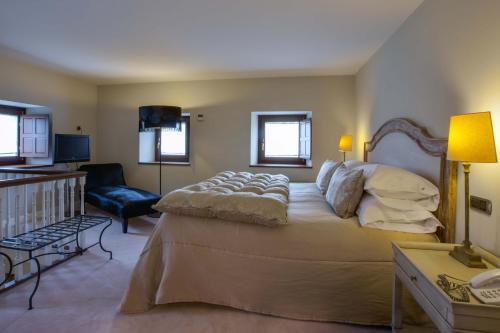 Duplex Double Room Castillo Del Bosque La Zoreda 26
