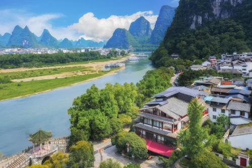 . Yangshuo River View Hotel