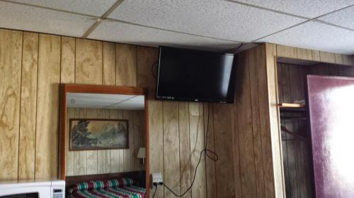 Budget Lodge - Warren, PA 16313
