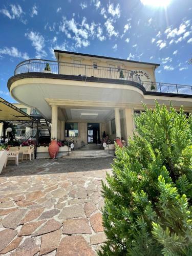. Hotel Dei Pini