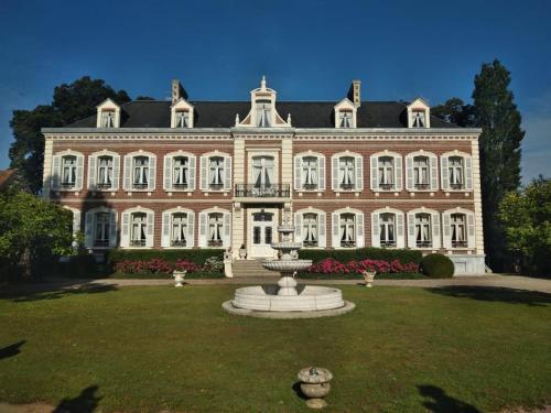 """. Château """"Le Castel des Anges"""""""
