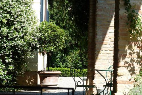 Strada di Bodrio 26, 43123 Parma, Italy.