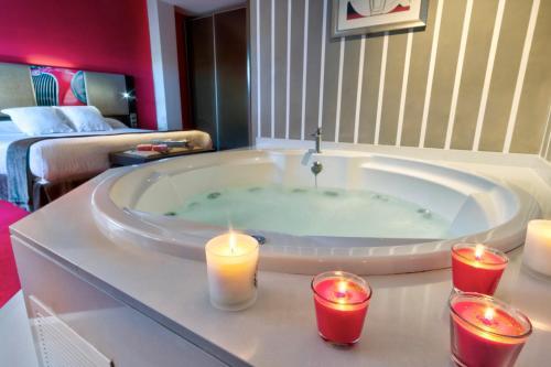 Comfort Doppelzimmer mit Whirlpool  Costa Esmeralda Suites 6
