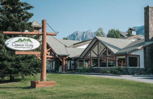 Canmore Rocky Mountain Inn - Photo 6 of 25