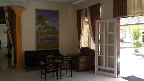 Hotel Puri Ksatria photo 2