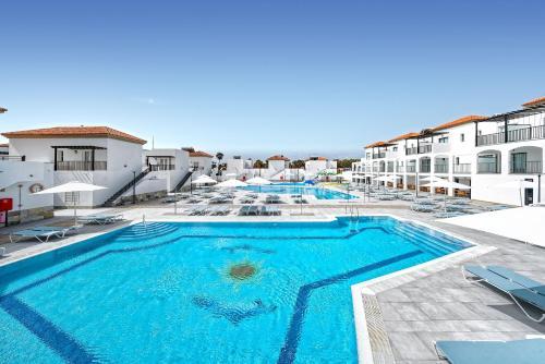 . Broncemar Beach Suites