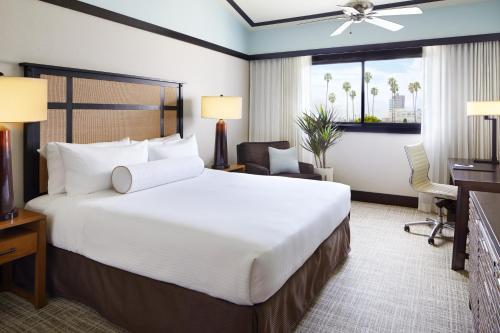 Ambrose Hotel - image 9