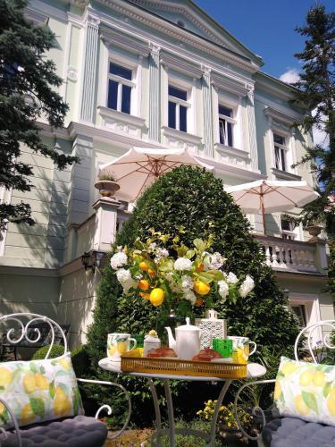 . Villa Rosa Residence