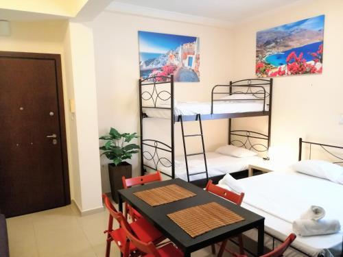 Modern apartment in Piraeus, Pension in Piräus