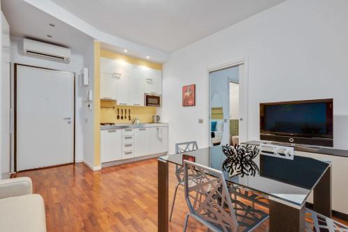 Easylife - Amazing apartment in Pta Venezia 10 mins Duomo