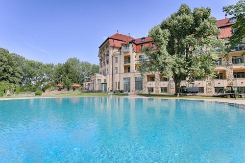 Health Spa Resort Hotel Thermia Palace